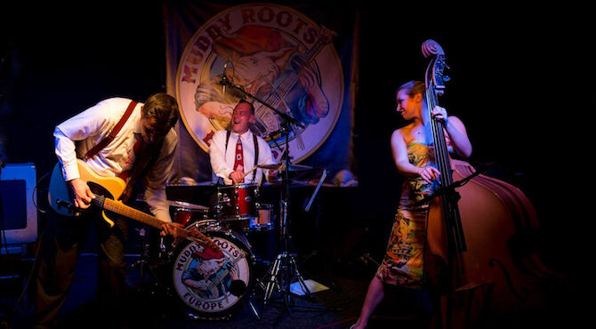 Bamboozle combine the vibe of the swinging 1950s with the sounds of today in a mesmerising performance