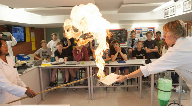 ACS: Engaging young students in STEM subjects